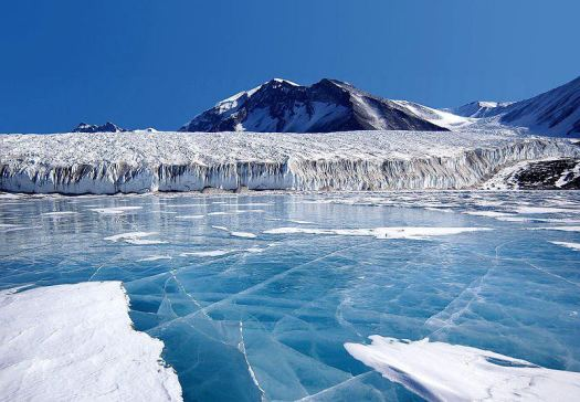 Baltoro glacier. The wilderness and Snows of Karakorams